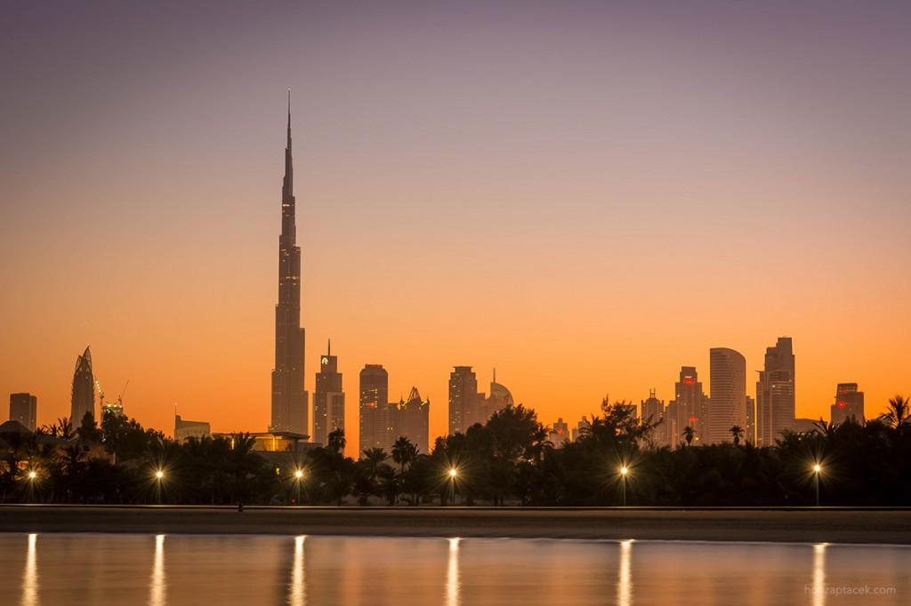 Dubai sunrise - Burj Khalifa - Dubai skyline